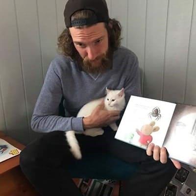 Reading and kitten
